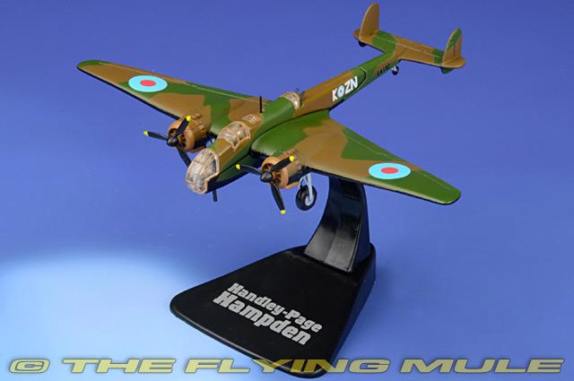 Ref: B4646112 Atlas Handley Page Hampden RAF 1940 Military plane bomber 1//144