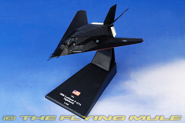 Lockheed F-117A Nighthawk 1:144 Atlas Military Aircraft Diecast Plane MG24