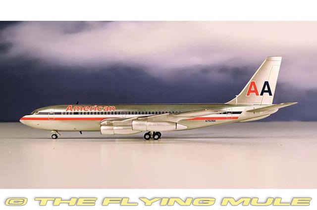 1 200 720 N7528A American Airlines