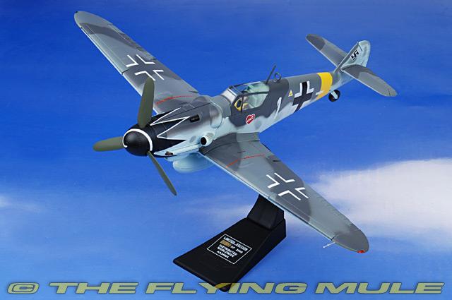 Corgi Aa34904 Bf 109 Diecast Model Luftwaffe 7 Jg 52