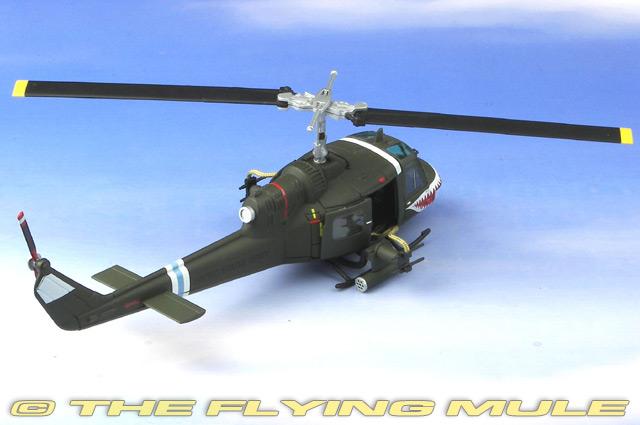 Easy Model 1//48 UH-1C Huey US Army 174th AHC Sharks