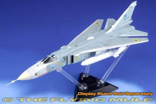 Su-24MR Fencer-E 1:72 Diecast Model - Calibre Wings CL