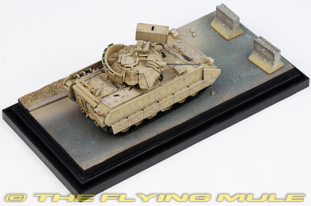 Dragon Models 60401 - M2 Bradley Display Model, US Army, M6 ...