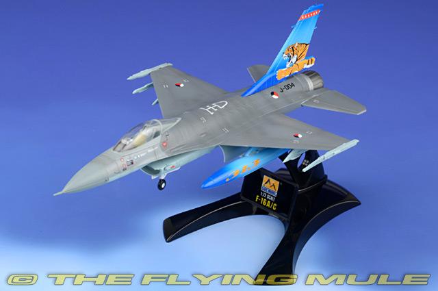 "Easy Model 1:72 F-16a Fighting Falcon-J-004 NTAF /""TIGER MEET/"" Em37126"