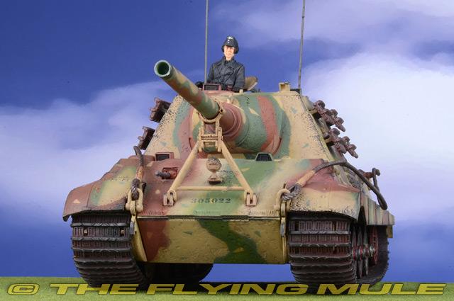 1:32 Forces of Valor Sd.Kfz.186 Jagdtiger German Army sPzJgAbt 653 #331 w//1