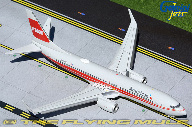 GeminiJets 1:200 737-800 American Airlines N915NN Flaps Down Configuration