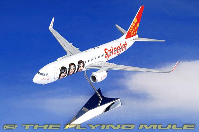 1 200 737-800 737-800 VT-SZK SpiceJet