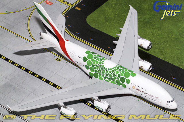 1 200 A380-800 A6-EEW Emirates Airlines