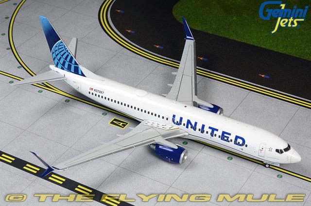 1 200 737-800 N37267 N37267 United Airlines