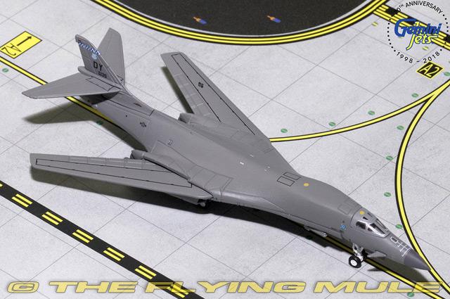 1 400 B-1B Lancer  86-0135 USAF 7th BW