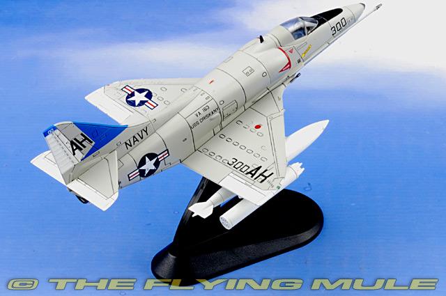 Hobby Master HA1403 - A-4 Skyhawk Diecast Model, USN VA-163