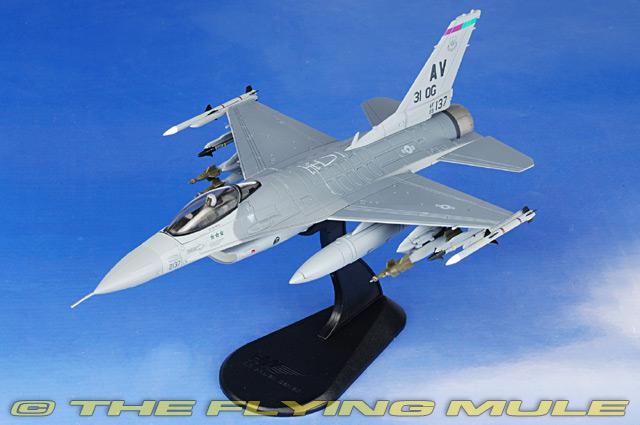 Hobby Master HA3814 1//72 F-16 USAF Triple Jastreb Killer Operation Deny Flight