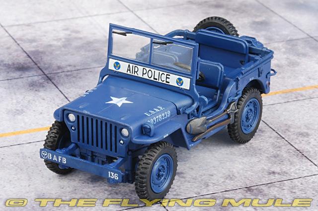 Hobby Master Hg1608 Jeep Diecast Model Usaf Police 1950s