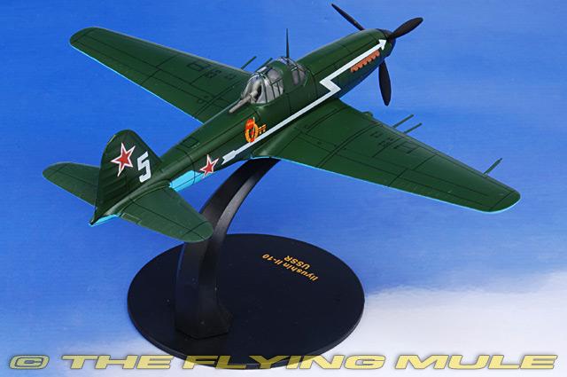 Oxford Diecast 1//72 Il-10 Beast Airplane Soviet Air Force
