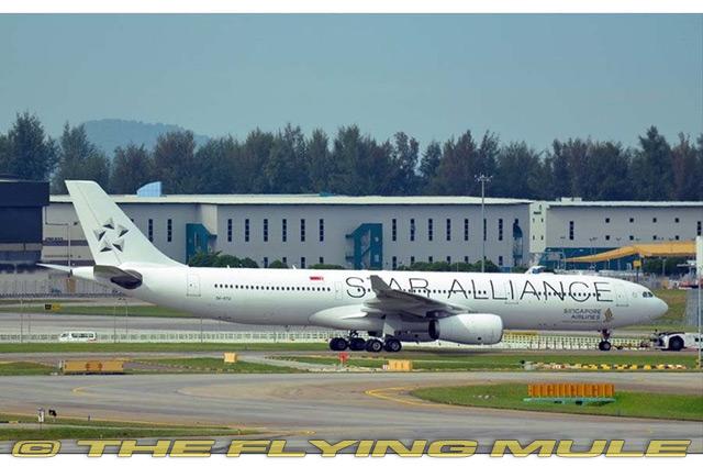 1:400 A330-300 9V-STU Singapore Airlines